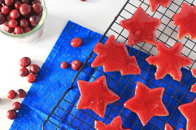 Spiced gingerbread cookies with craberry glaze