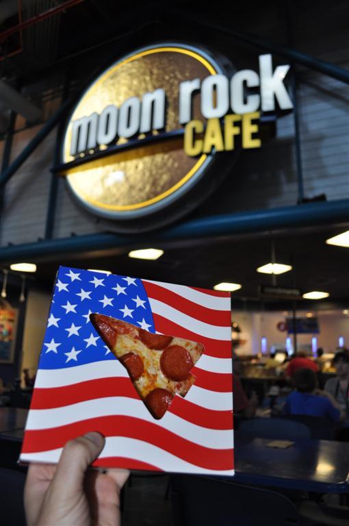 Pizza de pepperoni de astronautas, dicen que es lo primero que piden al llegar a la tierra El último viaje del Transbordador Espacial desde Cabo Cañaveral - 5922909492 8fac3666e8 o - El último viaje del Transbordador Espacial desde Cabo Cañaveral