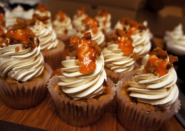 Cupcakes Take The Cake: Peach Cobbler Cupcakes