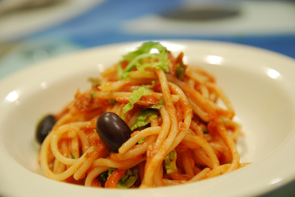 Spaghetti Puttanesca con Tonno - plated | Flickr - Photo Sharing!