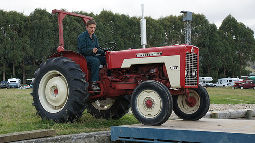 Tracteur de ferme 5999984641_2dbdc9d232