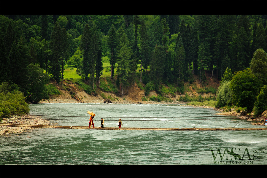 Crossing-Neelum height=600