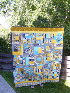completed Bee quilt