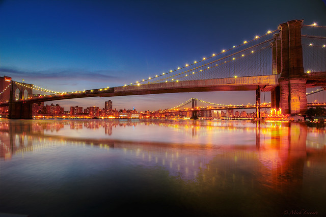 Brooklyn and Manhattan Bridge, a Love Connection