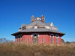OH Circleville - Octagonal Building
