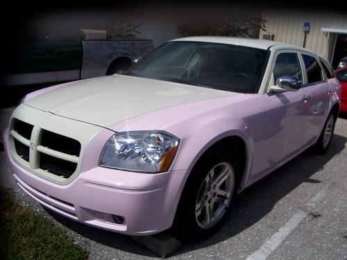 pink-dodge-magnum-2