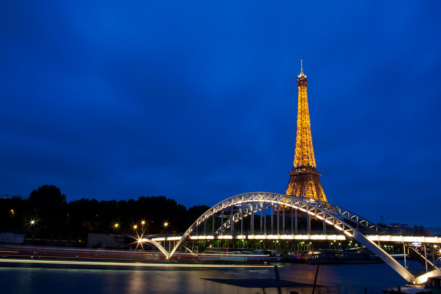 Passerelle Debilly and the Eiffel Tower