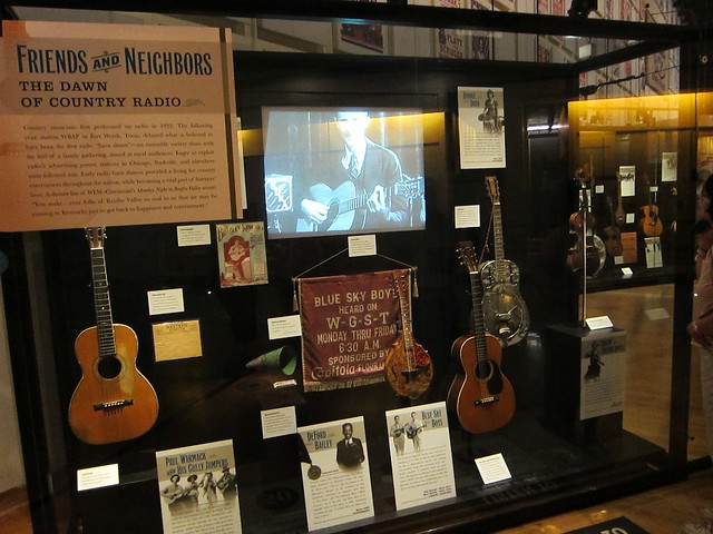 Country Music Hall of Fame by CC user arianr on Flickr