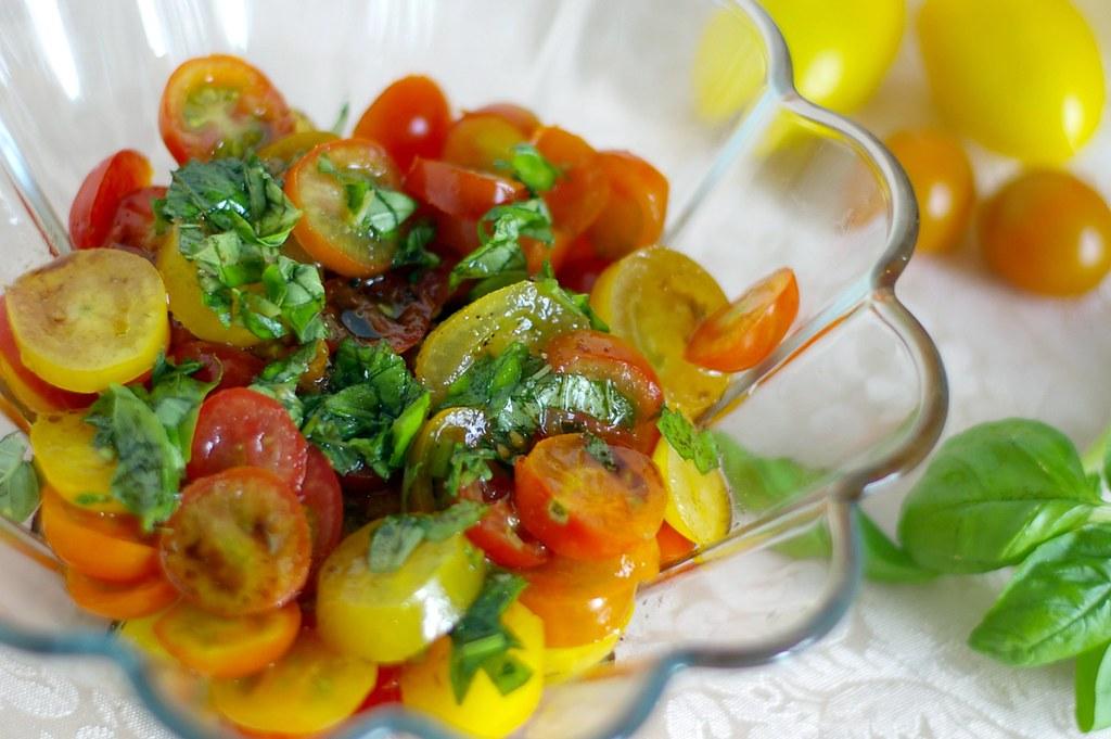 Heirloom Tomato Salad Recipe — Dishmaps