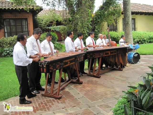 marimba-accompainment-antigua-hotel