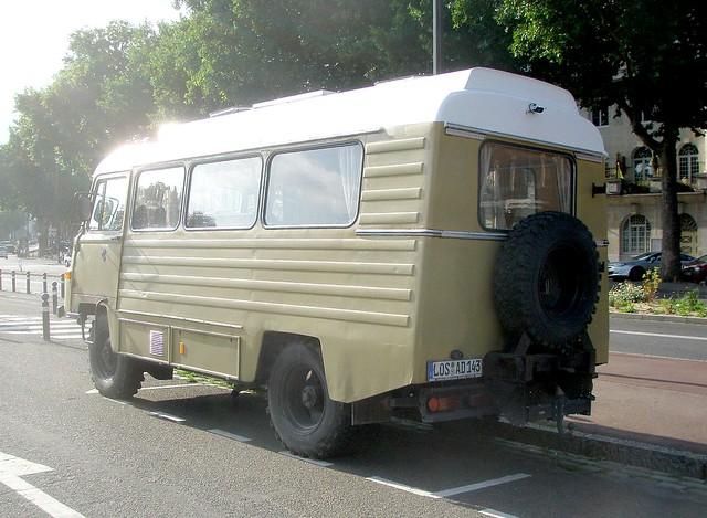 camping car 4x4 autos post. Black Bedroom Furniture Sets. Home Design Ideas