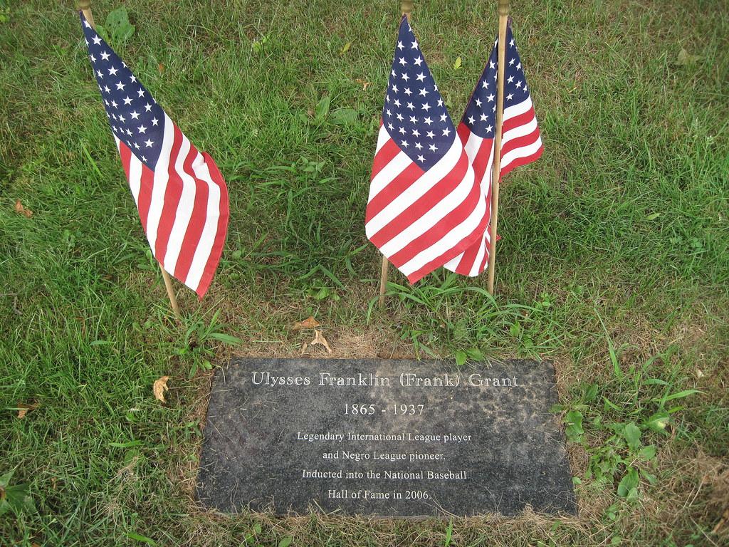 Frank Grant's grave