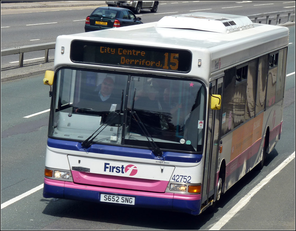 First 42752 S652SNG 14 June 2011