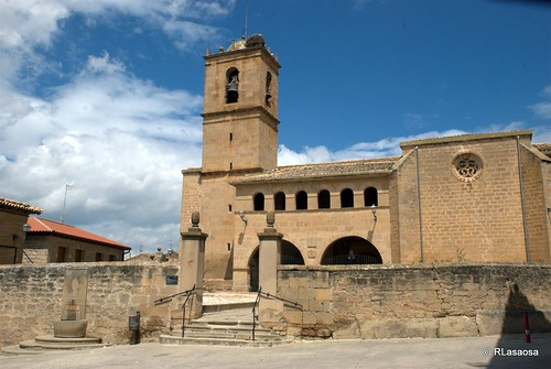 Iglesia de San Pedro Apóstol, Pitillas, Navarra by Rufino Lasaosa