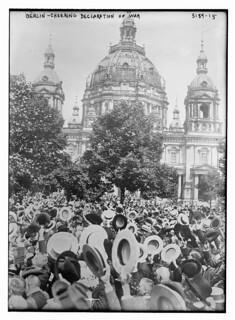 Berlin -- cheering declaration of war  (LOC)