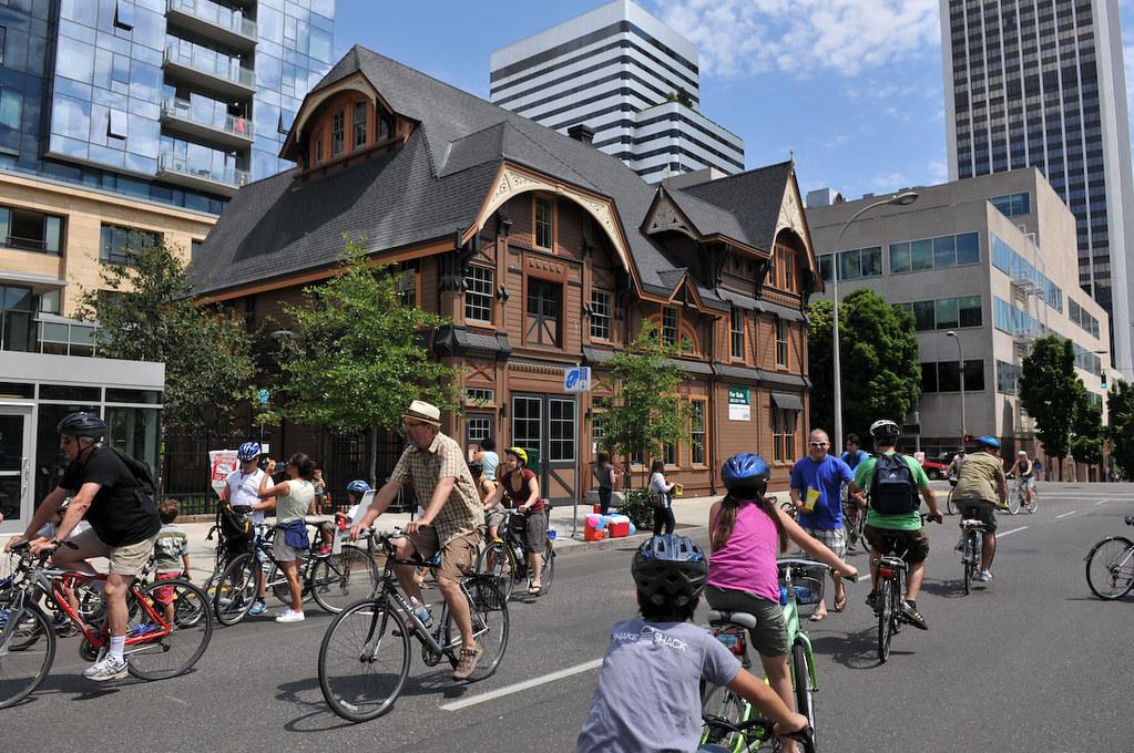 Sunday Parkways NW 2011-40-39