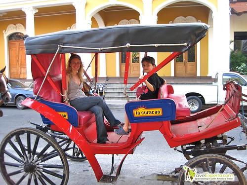 granada-nicaragua-horse-carriage-tour