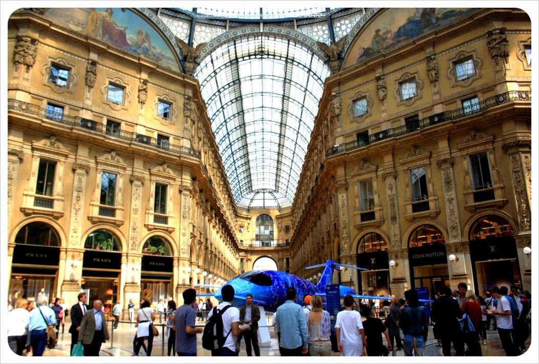 Galleria Vittorio Emanuele II milan inside