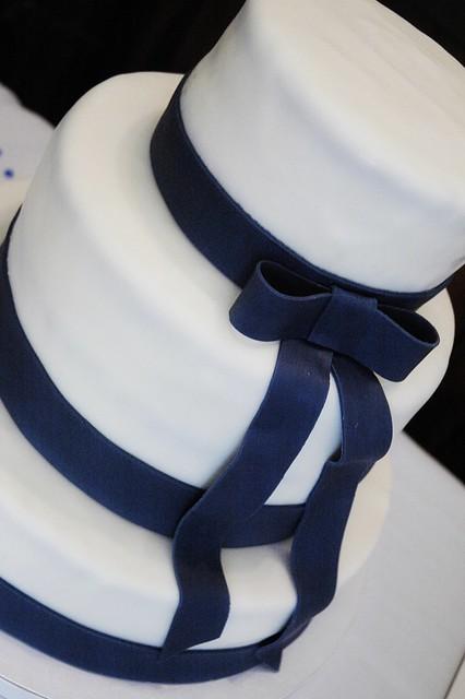 Cake With Fondant Ribbon : Wedding Cake with navy fondant ribbon Flickr - Photo ...
