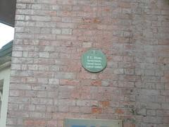 Photo of Thomas Chambers Hine green plaque