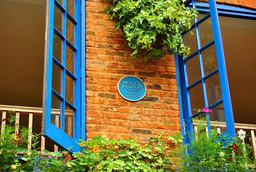 London calling neal 39 s yard bouquet 39 s blog - Le petit jardin covent garden metz ...