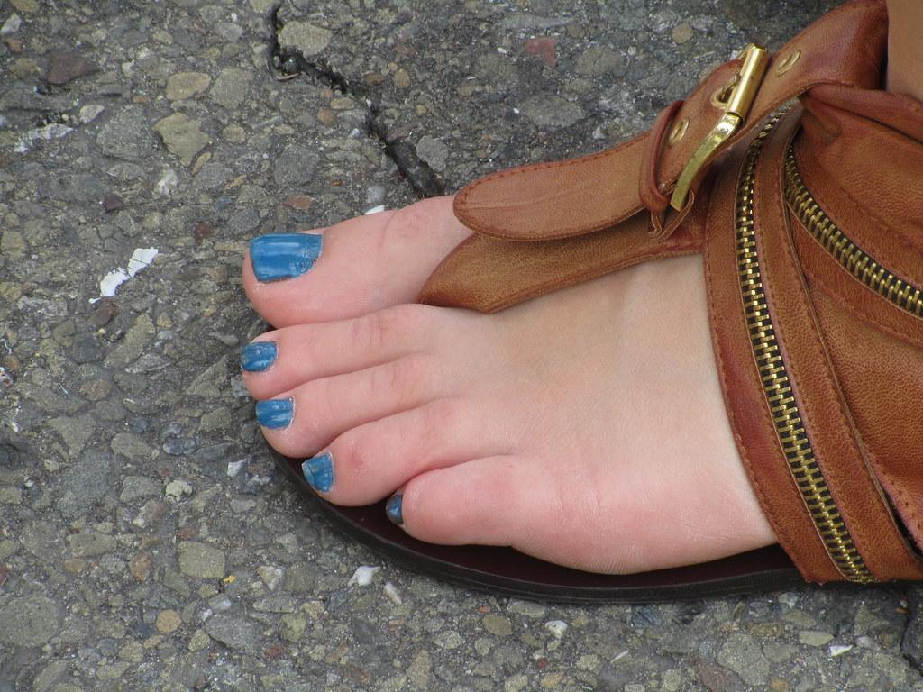 Teen foot pic