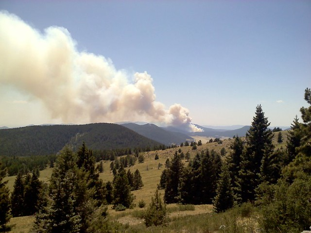 View of the budding Las Conchas Fire from Pajarito ski area, Los Alamos.  Photo by Jennifer Awe.