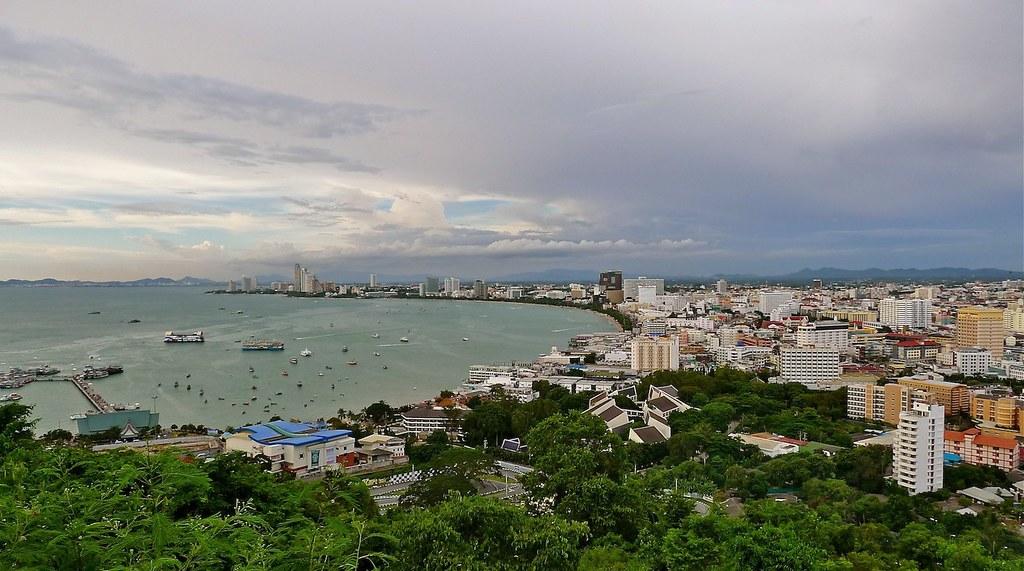 Pattaya - view from Pratumnak Hill towards Na Kluea