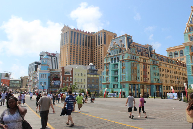 Atlantic City Boardwalk by CC user shinyasuzuki on Flickr
