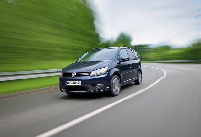 Volkswagen Touran (2011), voor rijdend