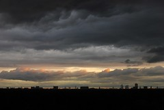 storm(0.0), red sky at morning(0.0), horizon(1.0), cumulus(1.0), cloud(1.0), evening(1.0), morning(1.0), darkness(1.0), sky(1.0), dusk(1.0), dawn(1.0), sunset(1.0), afterglow(1.0),