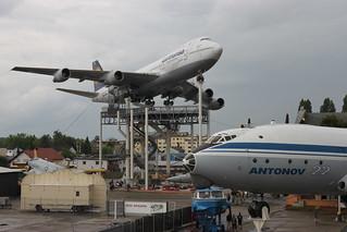 Fluggiganten: Boeing 747 und Antonow An-22