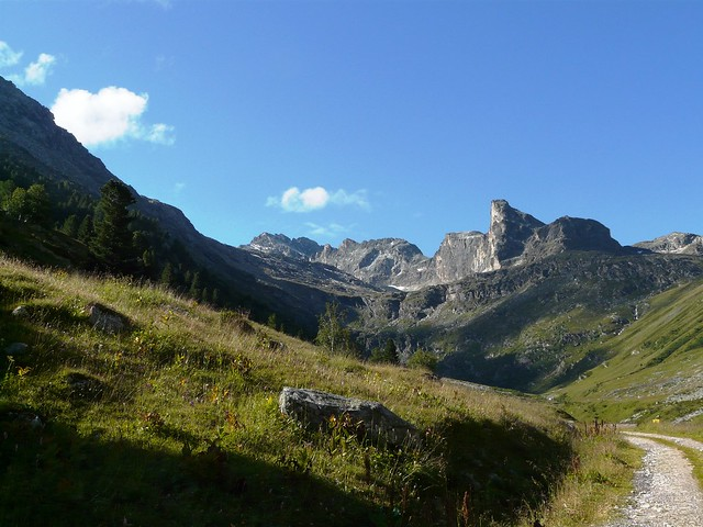 Le panorama au départ du Vallon d'Etache Grand Bec et Gros Peyron 002