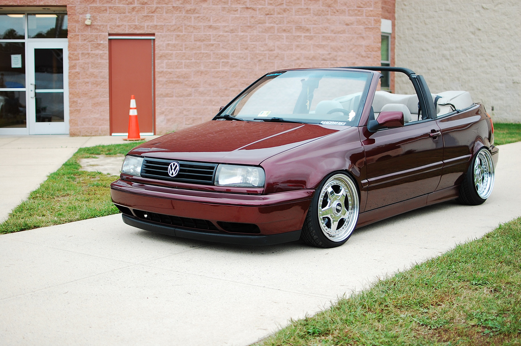 VWVortex.com - FS: 1998 Volkswagen Cabrio - Color change, Chrome RF's You know it