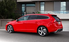 compact car(0.0), volvo s60(0.0), sedan(0.0), automobile(1.0), automotive exterior(1.0), family car(1.0), vehicle(1.0), automotive design(1.0), full-size car(1.0), volvo cars(1.0), land vehicle(1.0), luxury vehicle(1.0),