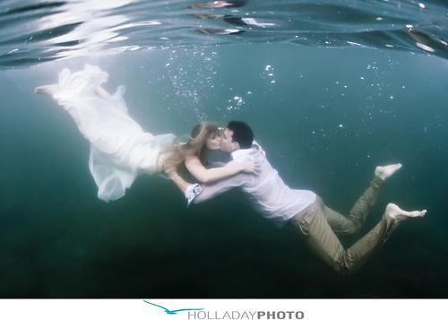 Underwater Kiss Romance