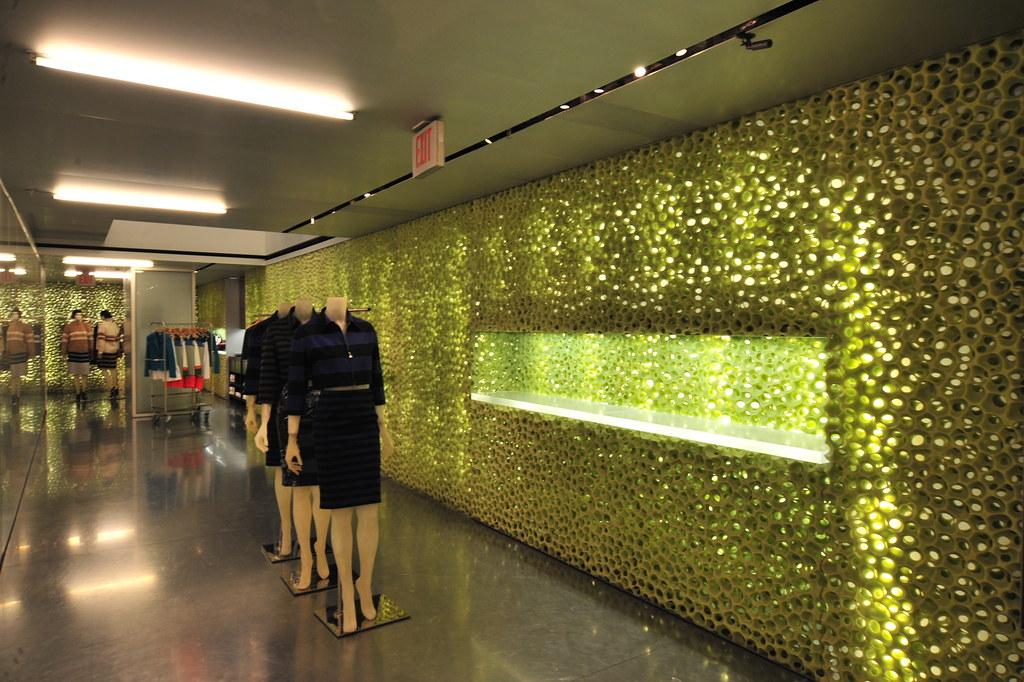 Rem Koolhaas - 比佛利普拉達旗艦店 Prada Epicenter 10.jpg