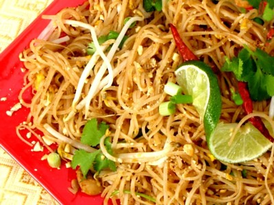Learn How To Make Pad Thai Noodles With Egg Wrap