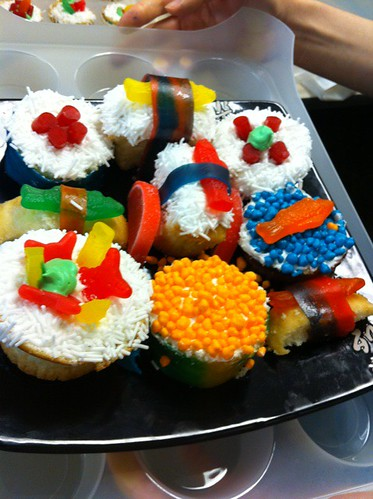 Cait & Kelly are amazing! They made me sushi themed cupcakes and rice crispy sushi