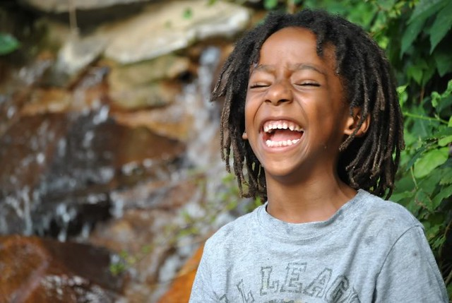 child-laughing-portrait-photography