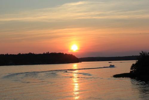 sunset boat lakegaston