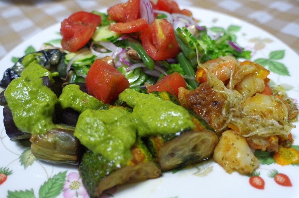グリーンサラダ、茄子のグリンソース、鮃と小海老のエスカベッシュ