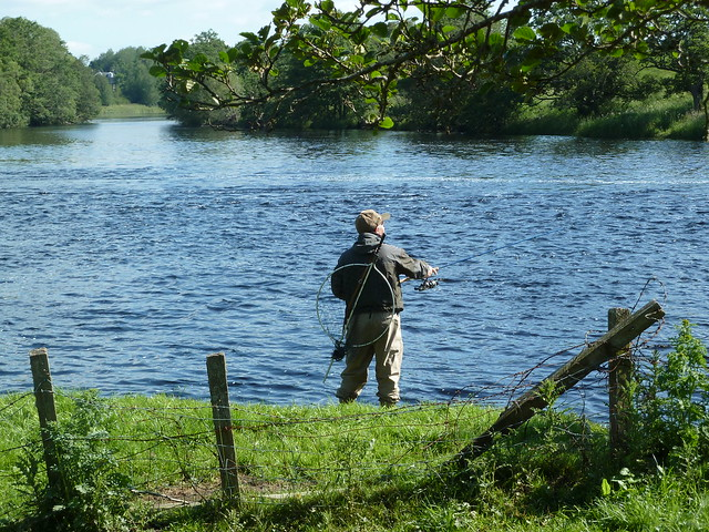 Fishing on River Spey