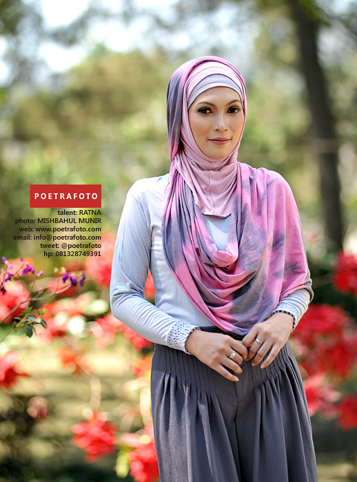 Foto Model Jilbab Busana Muslimah Cantik - Beautiful Hijab by POETRAFOTO