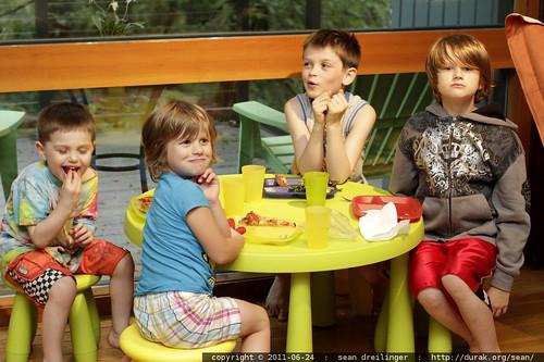 dinner @ the kids' table