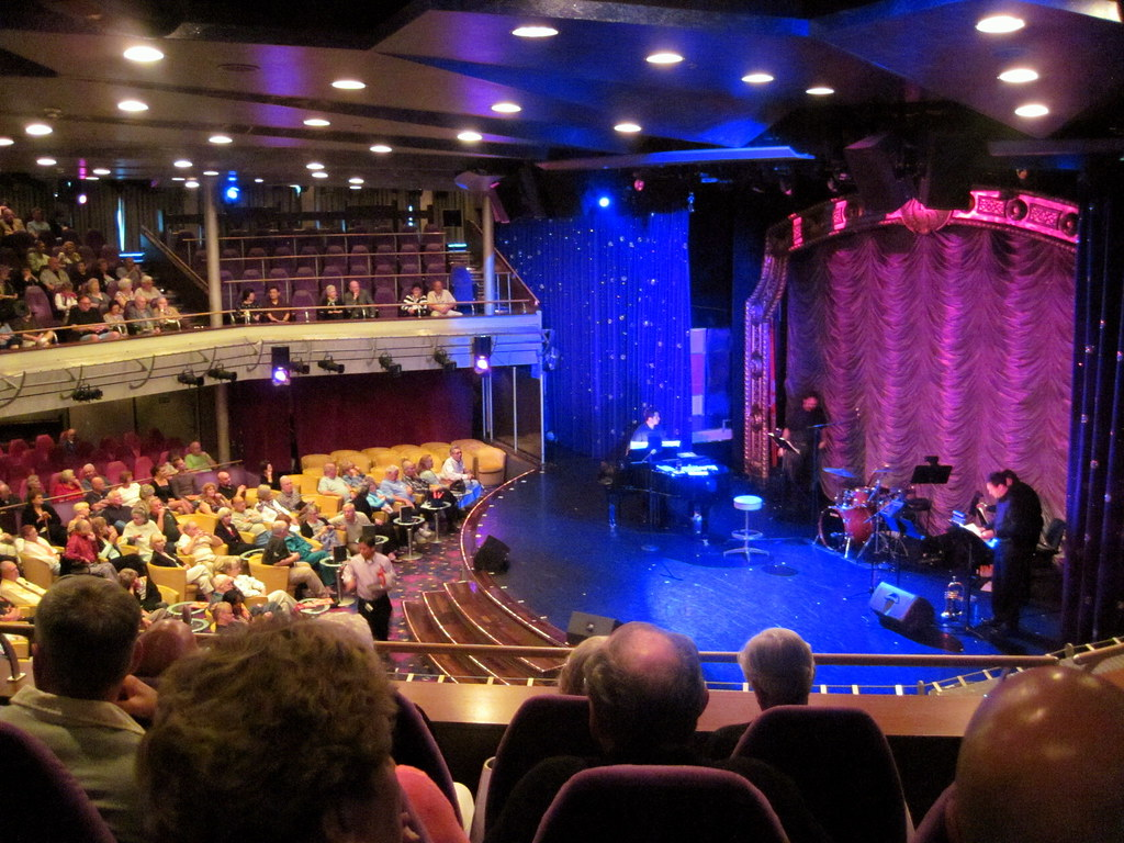 Theatre on the NCL Sun