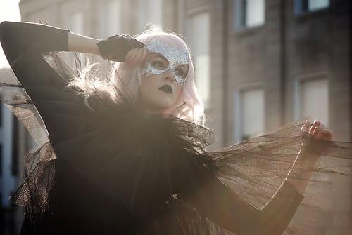 無料写真素材, 人物, 女性, 仮面・マスク, ワンピース・ドレス, アメリカ人