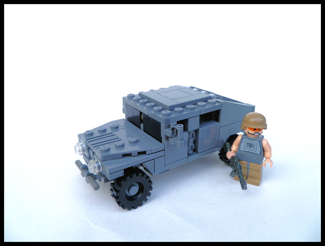 'Fig-Scale HUMVEE, Panasonic DMC-FH22