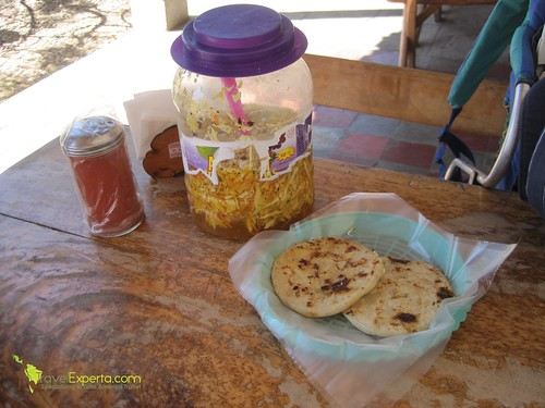 Top 10 Dishes of Central American Food to Try - suchitoto-pupusas-el-salvadorian-national-food