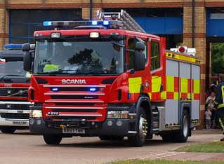 Buckinghamshire Fire and Rescue Service / Scania P270 / Rescue Pump / KX57 TWK / Great Holm